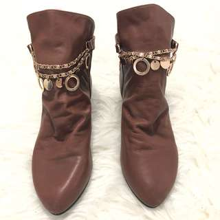 Angkle leather brown boots size 37