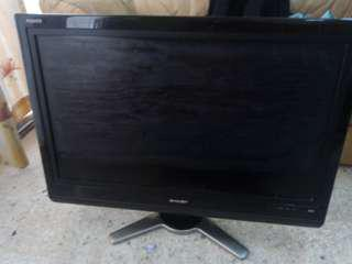 "32"" LCD COLOUR TV"