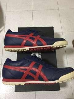 Golf ASICS shoe