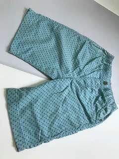 🚚 Uniqlo男童裝短褲