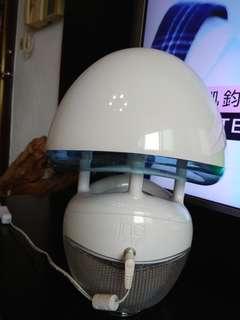 🚚 補蚊燈