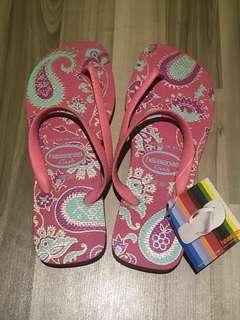 "🚚 Havaianas ""Flash"" Slippers (Brand New)"