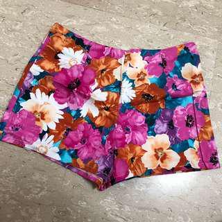Prink floral shorts