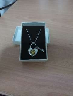 Four leaf Clover Love shape pendant