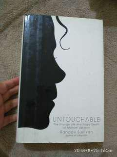 Hardcover Untouchable The strange life and tragic death of Michael Jackson