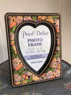 Heart-Shaped Photo Frame with Fabric Flower Design