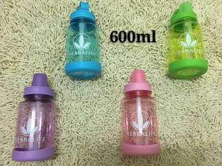 Herbalife waterbottle