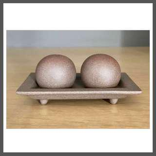 Earthenware Salt & Pepper Shaker Set