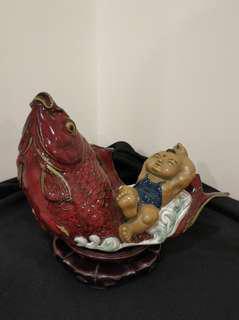 石灣雕瓷 鯉躍龍門 卧冰求鯉 有CHINA底款 瓷器 (不含底座)