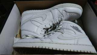 Nike Air Jordan 1 Mid Size 9.5 basketball shoes casual not lebron kobe adidas ultraboost nmd airmax