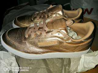 Brandnew original Reebok classic 85 shoes for womens or girls. Limited rosegold colorway. Fixed price