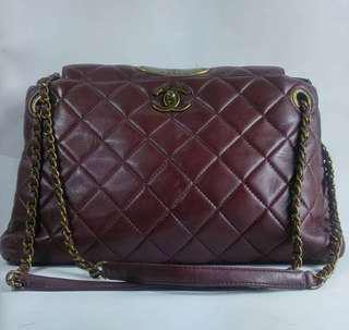 Chanel vintage chain bag