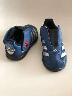 Adidas captain America shoes us9.5 kids
