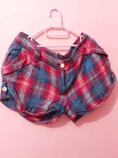 Shorts Cantik Motif Kotak Kotak Uk. L