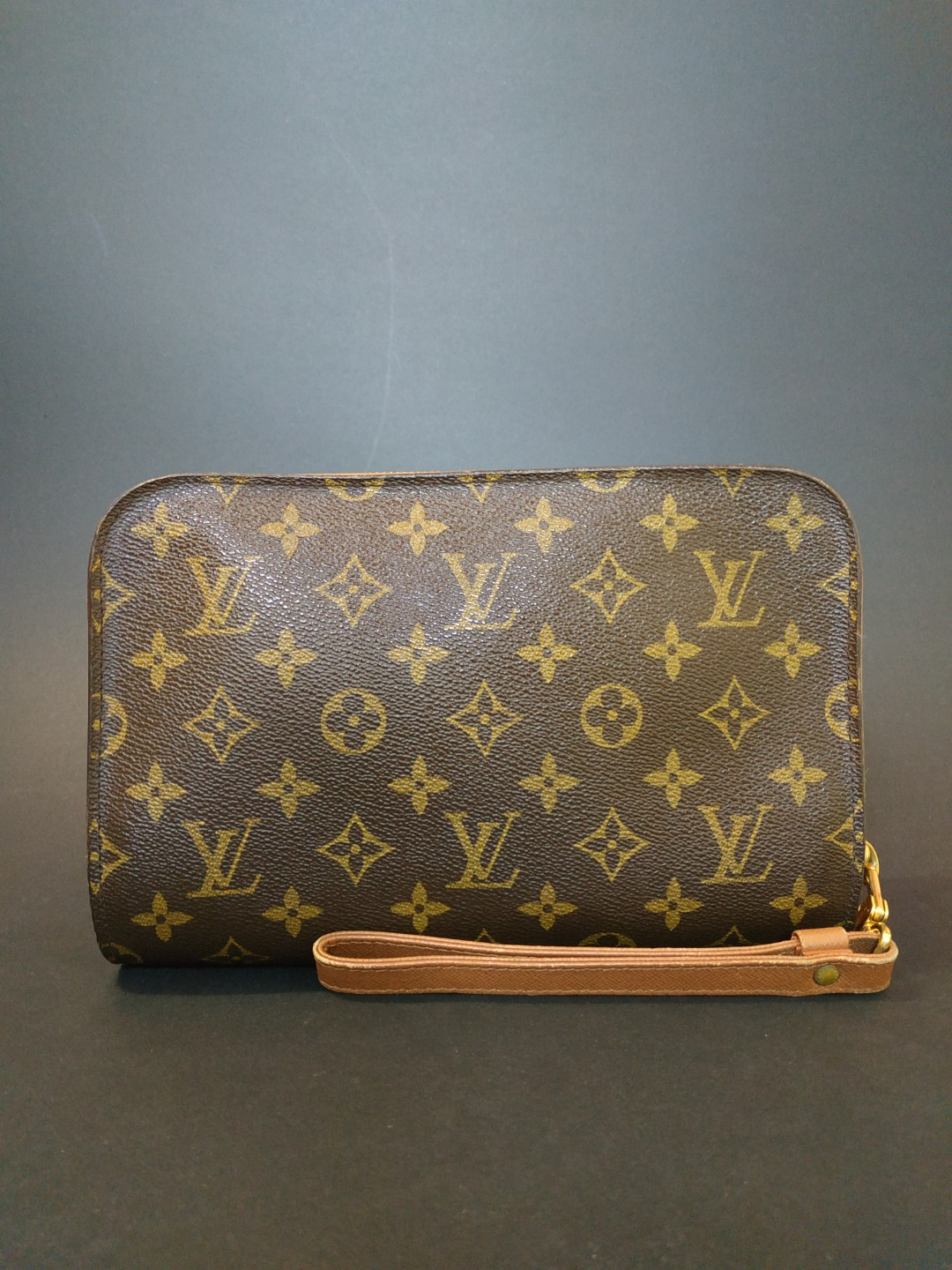 cfdafd810ac6 💯 Authentic LOUIS VUITTON Orsay Clutch.