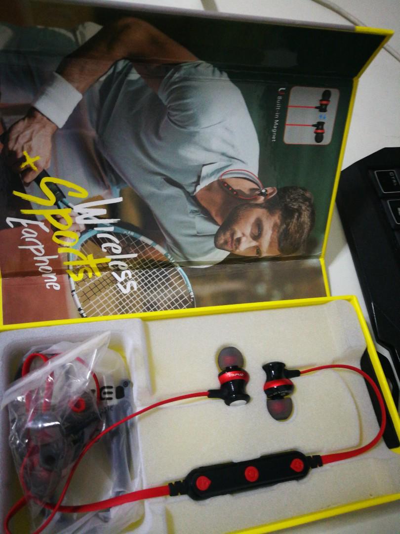 AWEU B980 wireless earphone(with receipt)