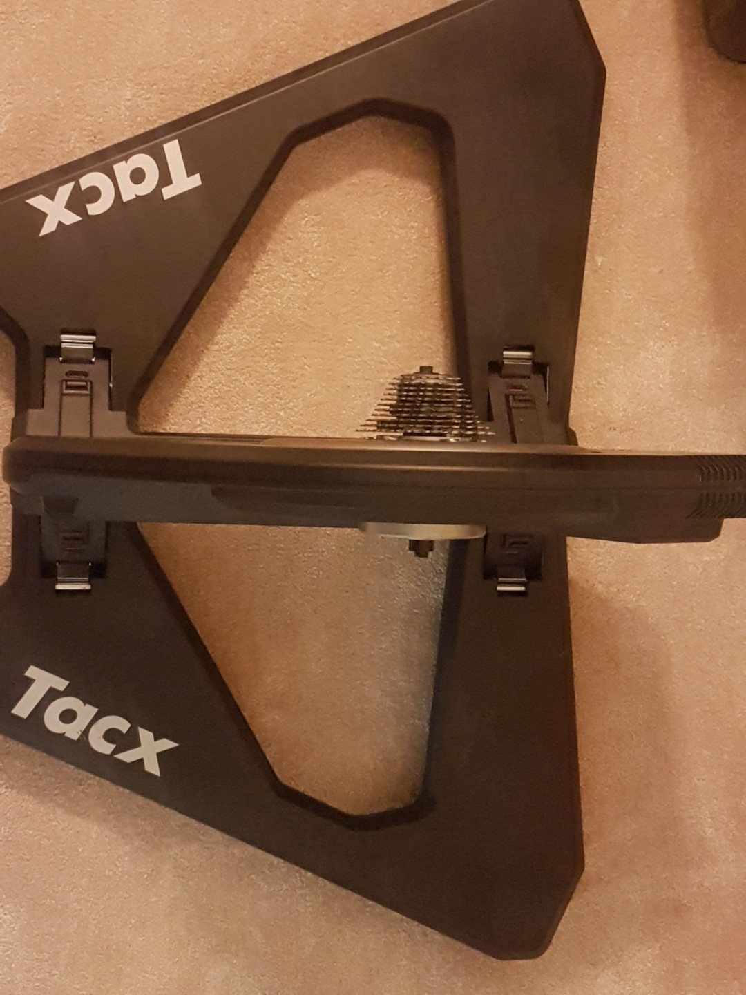 Cycling trainer - tacx neo