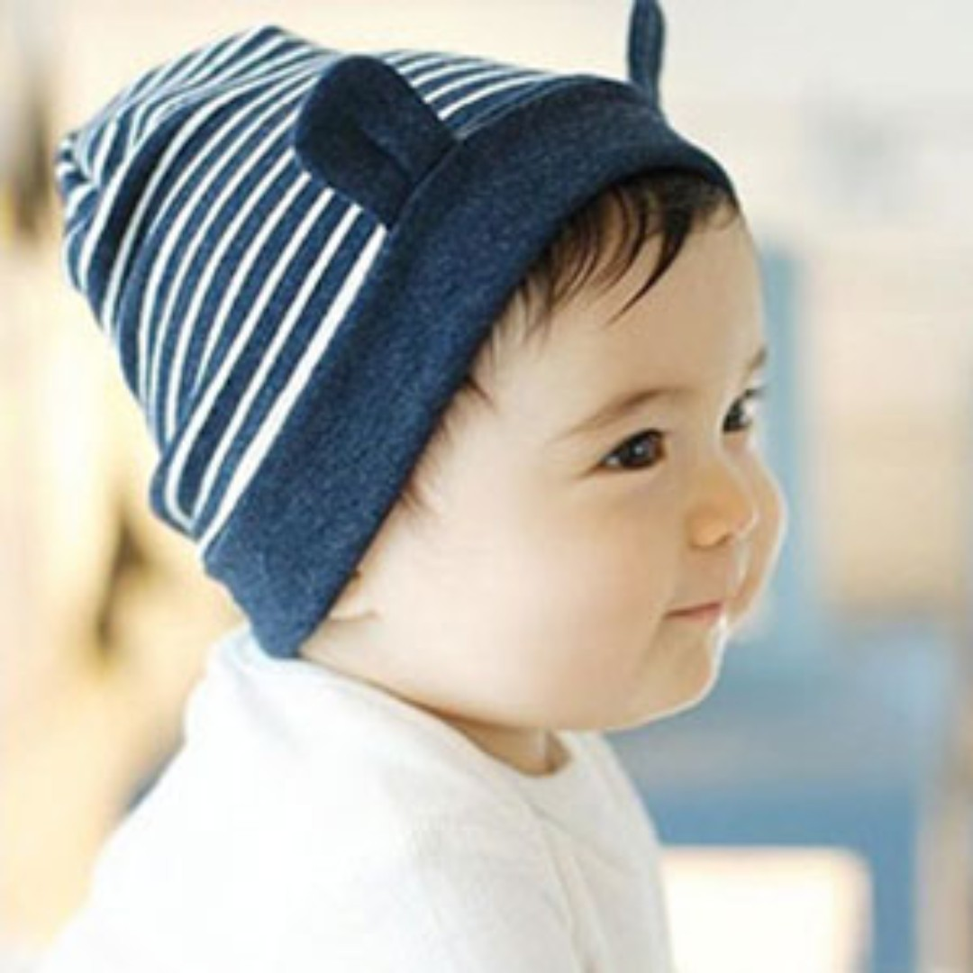Fashion style Boys Cute with brown hair and beanies for lady