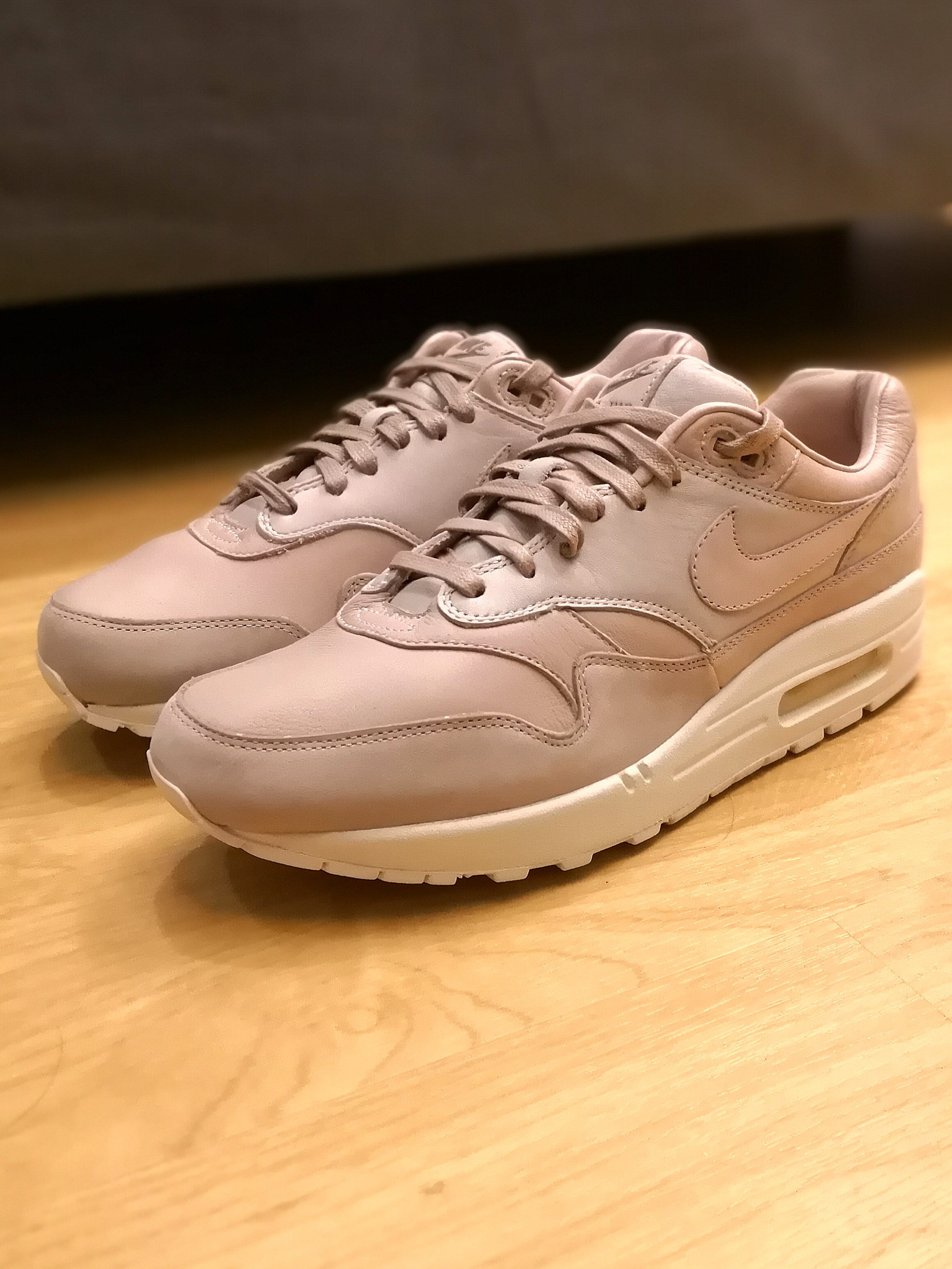 pretty nice 56806 c8a1d Nike Air Max 1 Pinnacle Sand (Men Size US9.5), Mens Fashion