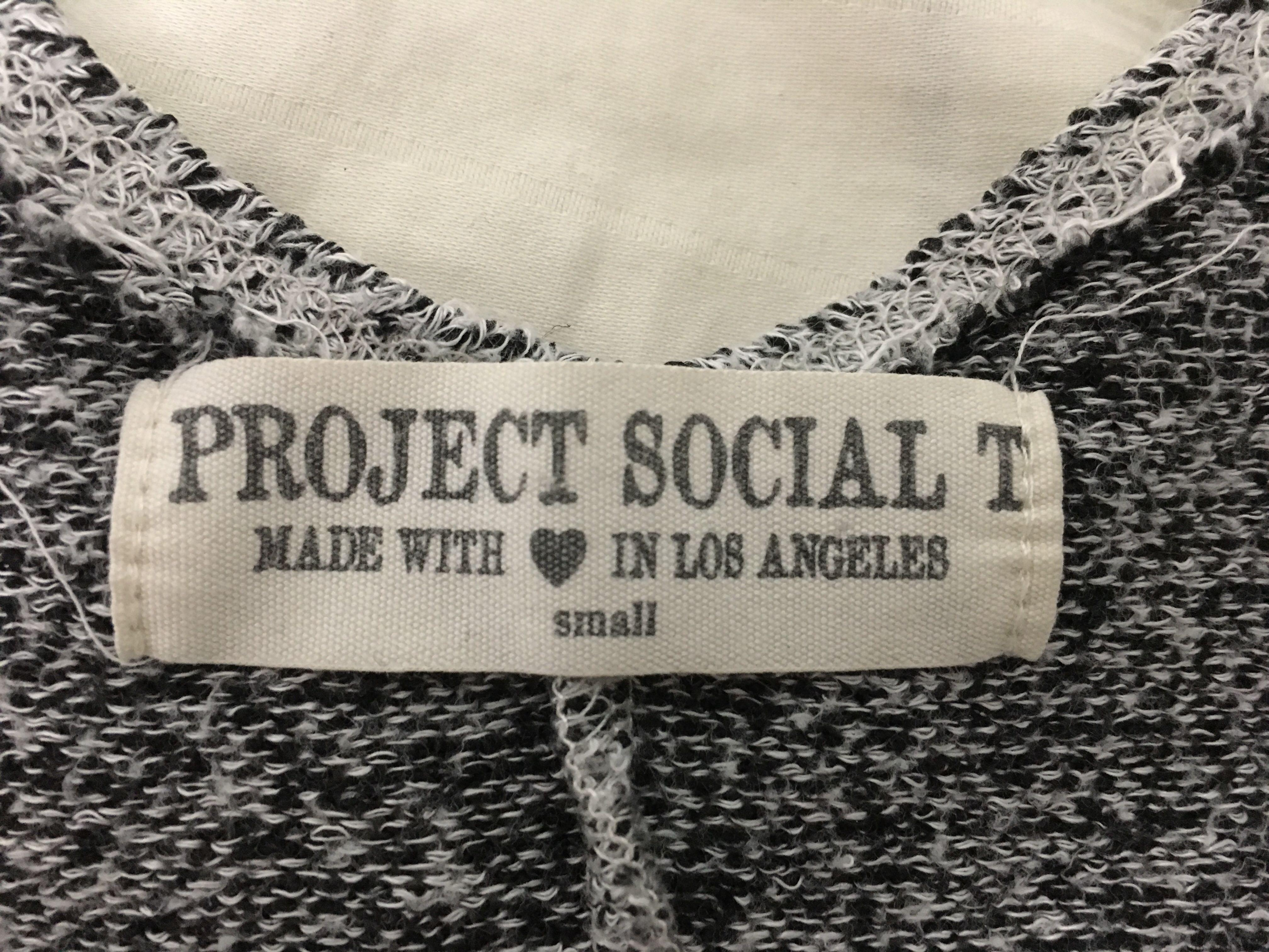 Project social tee size S