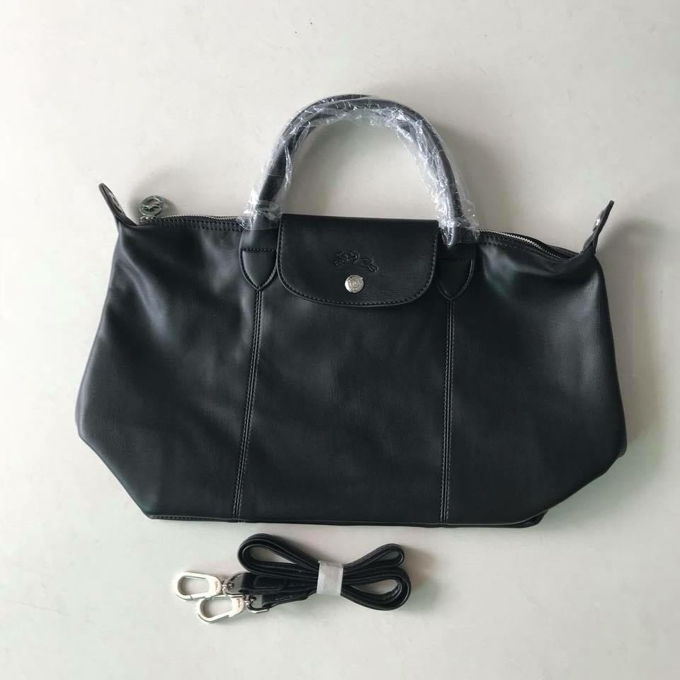 103ebaea09 Sale!! Longchamp le cuir medium, Luxury, Bags & Wallets, Handbags on ...