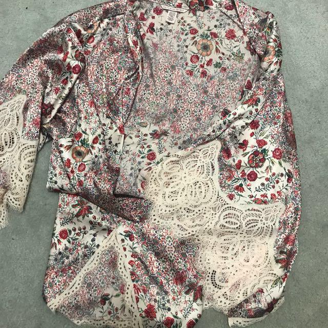 Victoria's Secret Floral Kimono