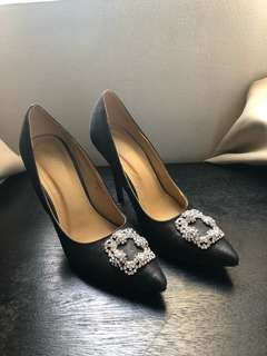 Stylish heels (8.5) US 8 1/2