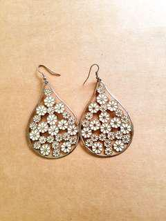Very pretty statement earrings