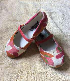 8/10 Bubble Gummers random flowers pink Baby / toddler / kids girl / gals cloth shoes size 25 / 7.5 16cm