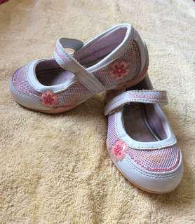 7/10 Bubble Gummers pink flowers glitters Baby / toddler / kids girl / gals sandals shoes size 7.5 17cm