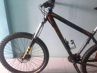 Clean Mountain Bike in Good Condition for Sale