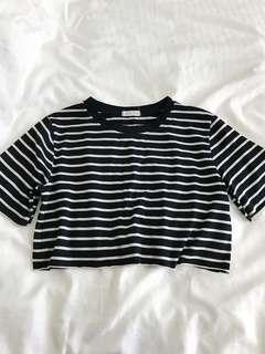 🚚 Black&White Striped Crop Top