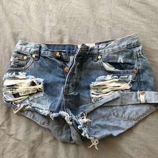 One teaspoon shorts size 26/8-9