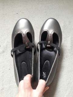 Gray Flat Shoes