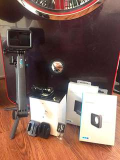 Go Pro Hero 5 Black (with free extra battery & micro lense)