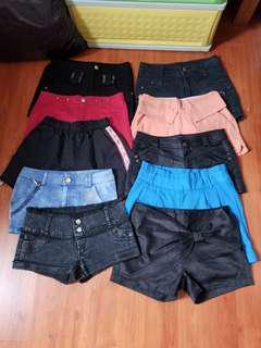 Preloved shorts size 27