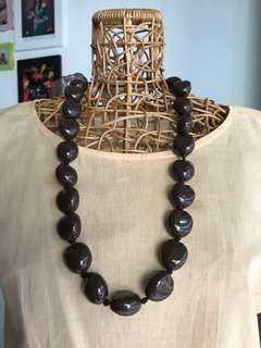 Kalung batu brown necklace tali pita