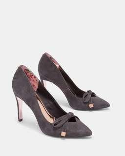 正貨 員工價出售 Ted Baker GEWELLSuede bow detail courts 高跟鞋👠 💕