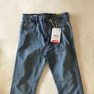 bnwt authentic pull and bear light denim mid waist jeans