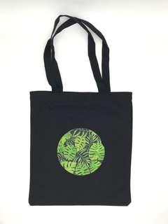 Black Canvas Graphic Tote Bag (Circle Leaves)