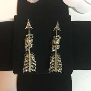 Chanel earrings arrow arrows 耳環 水鑽 羽毛 箭