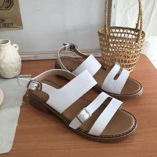 🚚 二手-38號白色軟底涼鞋