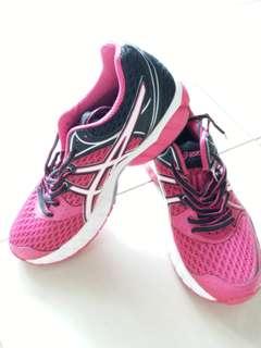Asics 運動鞋