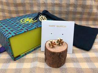 Tory Burch Light Oak Logo Flower Resin Stud Earrings