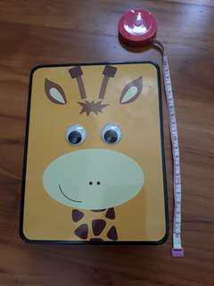 Cute giraffe box with moving eyes