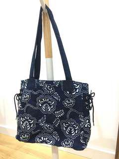 Indigo Dye Tote Bag with Zipper