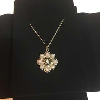Chanel necklace 頸鏈 珍珠 粉紅珠 cc logo