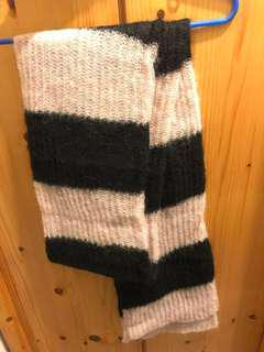 Brand new NEWPENNY scarf light pink x black wool mohair 頸巾 全新