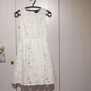 🚚 韓國 米白色雕花膝上洋裝 宴會 小禮服 拉鍊 無袖