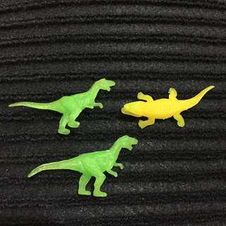 🚚 恐龍、鱷魚 小公仔